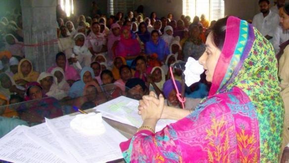 HarsimratBadal promotes hygiene for women.jpg