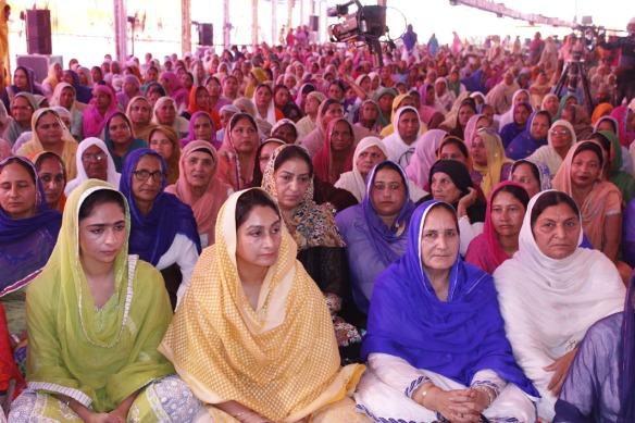 Keertan Smagam organized by Nanhi chhan - Harsimrat Kaur Badal (3).jpg