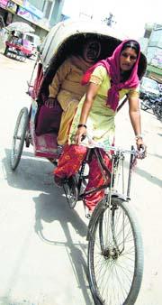 Lady Rickshaw Driver of Amritsar - women welfare